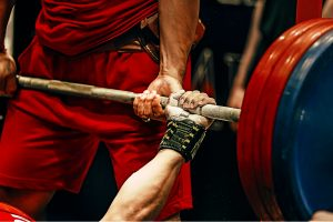 powerlifting_barbell_bench_press_featured